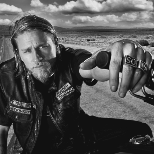 "Kurt Sutter on Sons of Anarchy Season 4 Premiere: ""Effing Badass"""