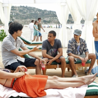 90210 Season Premiere Review: So Long, Summer!