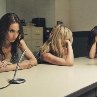 Pretty Little Liars Midseason Finale Reaction: Now What?
