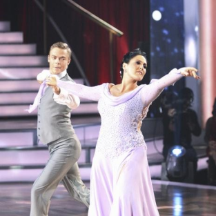 Dancing With the Stars: Lake Lights it Up