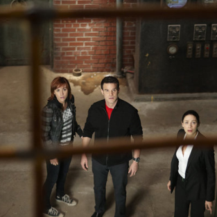 Warehouse 13 Review: It's a Wonderful Warehouse