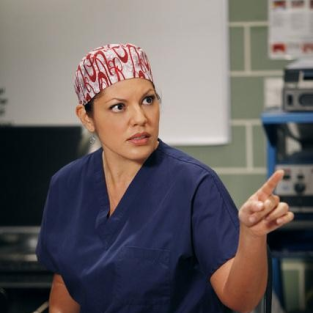 Who is Callie With in Alternate Grey's Anatomy Universe?