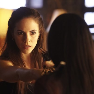 Lost Girl Review: It's a Fae World!