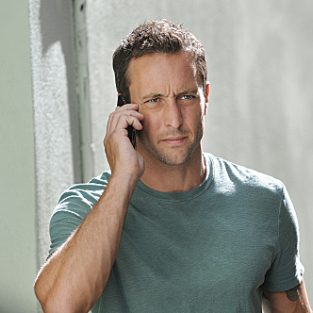 Alex O'Loughlin to Take Absence from Hawaii Five-0 for Pain Med Treatment
