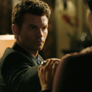 Interview: Daniel Gillies on Vampire Diaries Return, Reunion, Major Episode Ahead