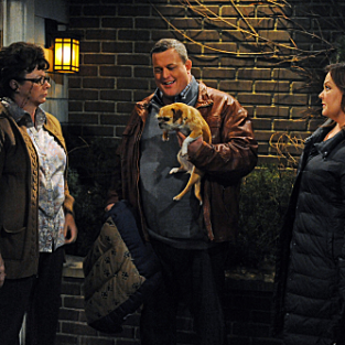 Mike & Molly Review: Family Emergency