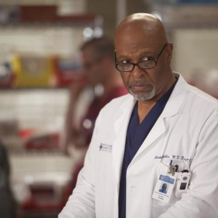 Grey's Anatomy Sneak Peeks: Who's in Love?