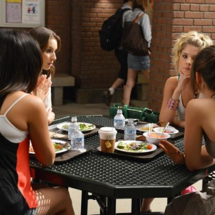 Pretty Little Liars Season 3 Premiere Photos, Synopsis