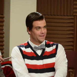 Glee Review: We Are The Champions