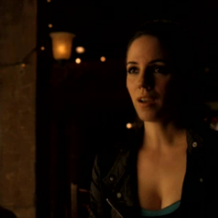 Lost Girl Review: Fae Striptease!