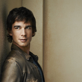 Christopher Gorham Previews Covert Affairs Season 3, Changes to Come