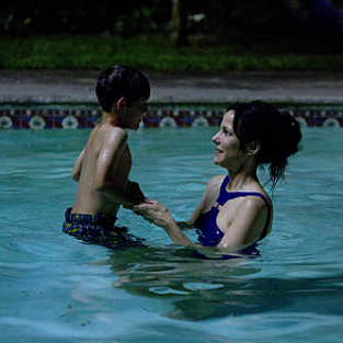 Weeds Review: Swimming with Sons