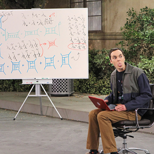 The Big Bang Theory Review: Nude Revenge Wiggle FTW