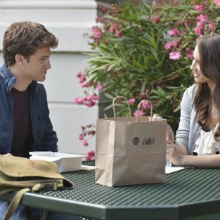 "Pretty Little Liars Photo Preview: ""She's Better Now"""