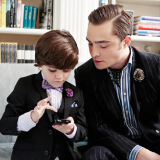 Gossip Girl Finale Photo: Chuck Bass and Son?