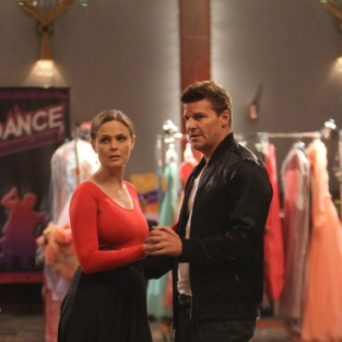 Bones Review: Center Stage