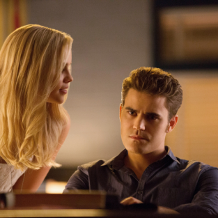 The Vampire Diaries Review: Compulsive Behavior