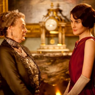 Downton Abbey: Watch Season 3 Episode 2 Online