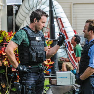 Hawaii Five-0 Review: Man Date Mandate