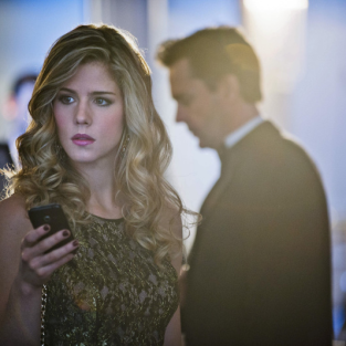 Arrow Review: Felicity Gets Collared