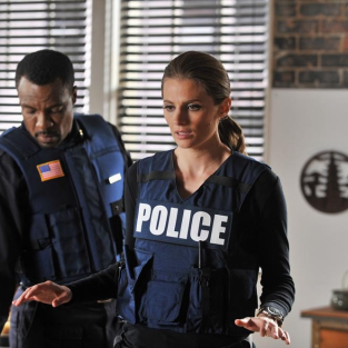 Castle Review: Moving Forward, Standing Still