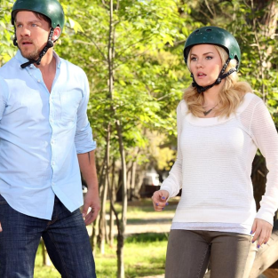 Happy Endings Review: Penny Made a Boo-Boo
