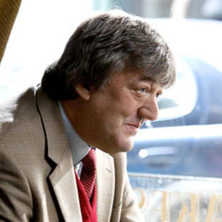 More on Stephen Fry's Return to Bones