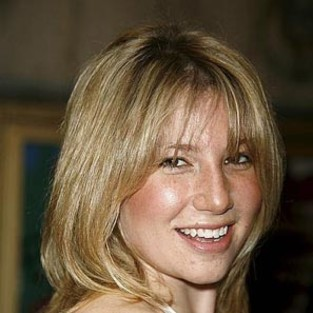 Fringe Casting Updates: Status of Ari Graynor and Leonard Nimoy