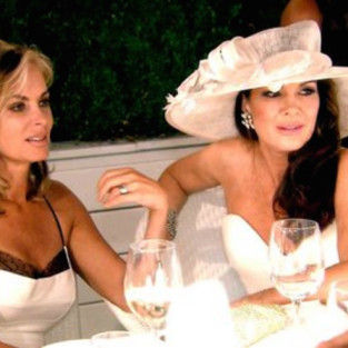 Desperate Housewives Season Finale Spoiler: A Surprise Wedding!