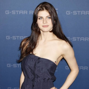 Alexandra Daddario to Serve as Secretary on Parenthood