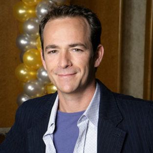 Luke Perry to Guest Star on Leverage