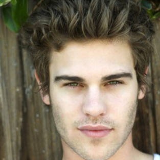 Grey Damon Joins Cast of Friday Night Lights