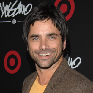 John Stamos to Recur on Season Two of Glee!