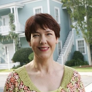 Harriet Sansom Harris to Appear Again on Desperate Housewives
