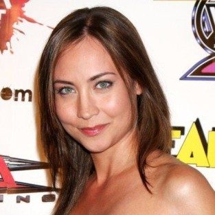 Courtney Ford Lands Role on The Vampire Diaries