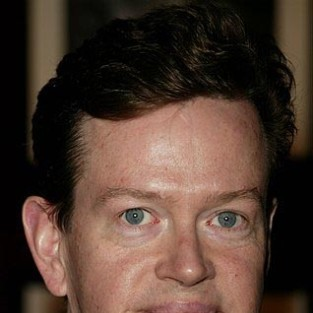 Dylan Baker to Guest Star on Burn Notice Season Finale