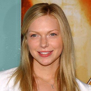 Laura Prepon Cast as Nikki Heat on Castle