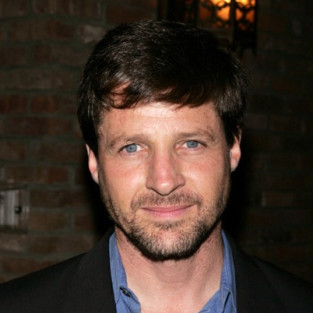 Tim Guinee Cast as Third Private Investigator on The Good Wife