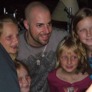 Daughtry Poses With Admirers