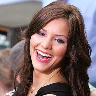 Ladies and Gentlemen, Meet the NEW Katharine McPhee