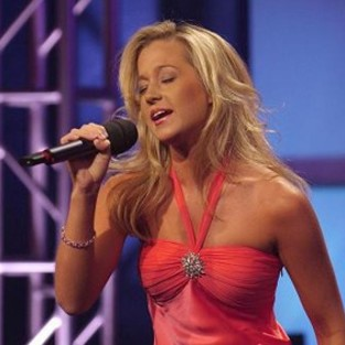 Did Kellie Pickler Get a Boob Job?
