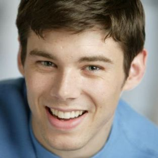 Brian J. Smith Cast on Gossip Girl; West Coast Romance For Serena in the Works?
