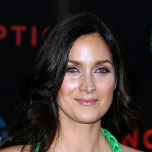 Carrie-Anne Moss to Play Love Interest on Chuck