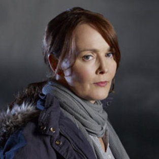 Laura Innes to Play Police Captain on Awake