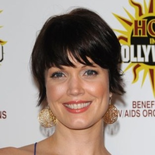 Bellamy Young to Play Hotch Love Interest on Criminal Minds?