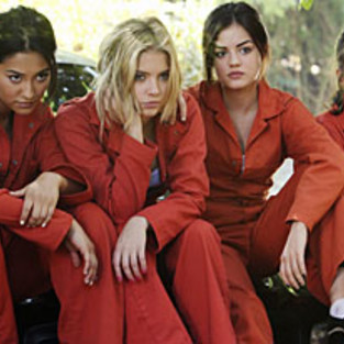 Pretty Little Liars Scoop: Season 3 and Jumpsuits Ahead!