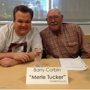 Eric Stonestreet Introduces Modern Family Fans to Cam's Father