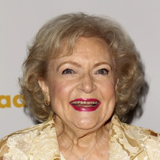 Betty White to Guest Star on The Client List Season Finale