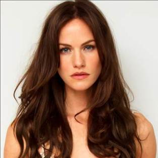 "True Blood Exclusive: Kelly Overton on Her ""Fiercely Loyal"" Werewolf"