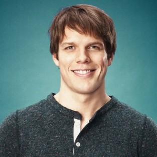 Jake Lacy Joins Cast of The Office Season 9